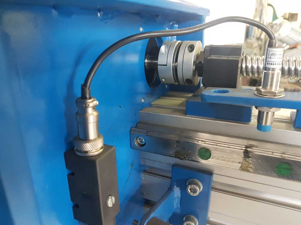 Linear CNC guide